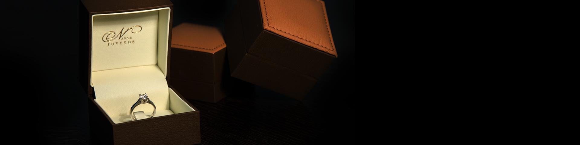 Slide1920x480_cajas